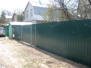 Забор из профлиста для дачи.