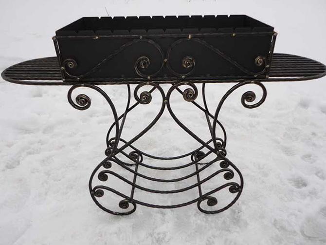 Купить кованый мангал с крышей в СПб для дачи HB92